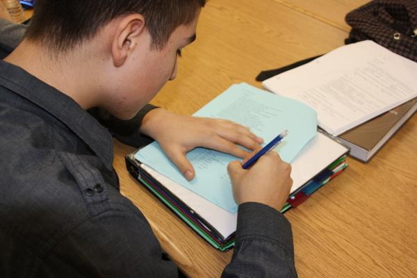 Senior Henry Martinez works on an assignment for Spanish III AP. Seniors need to focus on doing well at school and behaving to ensure they are able to participate in school activities throughout the year.Photo Credit: Bree Eure