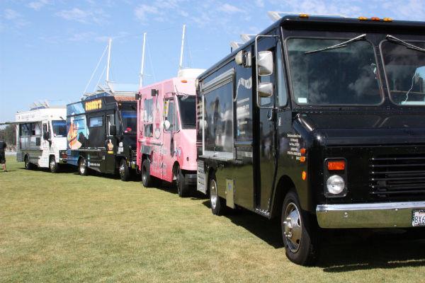 Food trucks outside Hilton Hotel