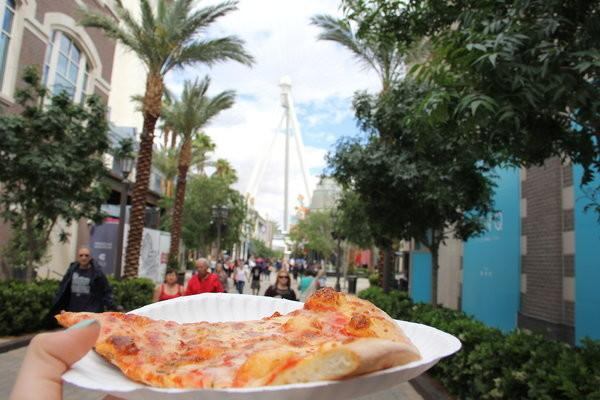 Last weekend's adventure to the Las Vegas Strip alone was a great photography experience and also a chance to eat pizza. It is always pizza time.  Photo Credit: Alex Nedelcu